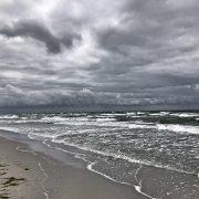 Stürmische See am Strand von Vitte (Hiddensee) - Die Farben der Ostsee